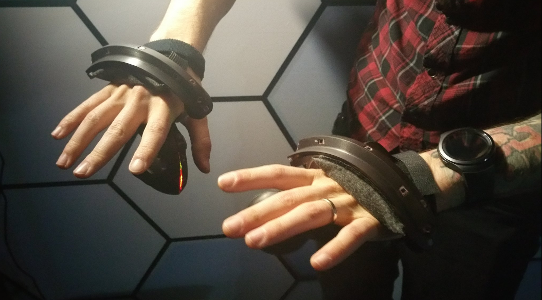 new-vive-controllers3.png